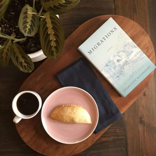 #vegan empanada + coffee + a great read = a great start to your Monday 😌 What's your favorite way to start the day? ☀️