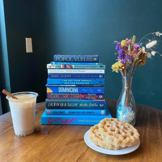 Horchata and chill anyone? Get your #thirsdaythursday fix with a delicious glass of horchata and cinnamon, and check out one of our incredible books from the Latinx authors display! 🌺